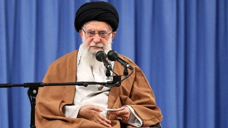 رهبر انقلاب: اگر صادقانه عمل کنیم و کوتهبینی نکنیم میتوانیم ایران را به قلّه حکومت اسلامی برسانیم