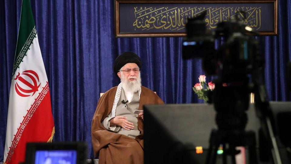 رهبر انقلاب: ملت ایران در آزمون کرونا خوش درخشید/ برنامههای کمک به قشرهای ضعیف هرچه سریعتر، بیشتر و بهتر اجرا شود
