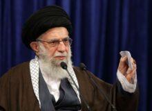 رهبر انقلاب: مشکلات دنیای اسلام با وحدت حل می شود/ تسخیر لانه جاسوسی نماد مبارزه با استکبار بود/ سیاست ایران در قبال آمریکا با رفتوآمد اشخاص تغییر نمیکند/ گرانی های اخیر توجیهی ندارد