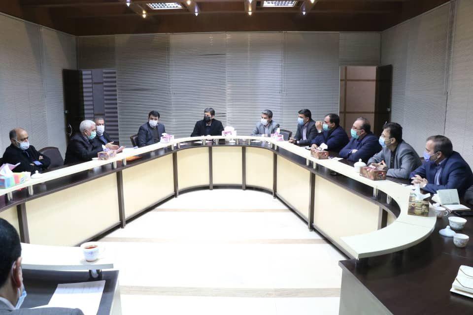 معاون وزیر کشور: روستاهای بالای ۲۰ خانوار صاحب دهیاری میشوند/شهرداران از توان نمایندگان مجلس استفاده کنند.