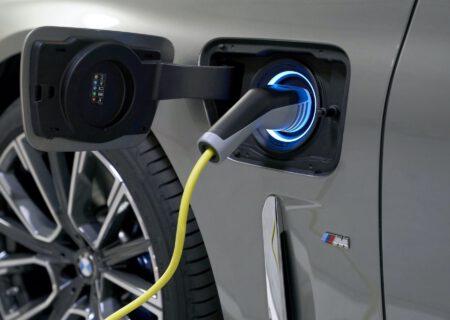 توسعه باتری ارزانقیمت خودروهای برقی که با ۱۰ دقیقه شارژ بیش از ۴۰۰ کیلومتر برد دارد