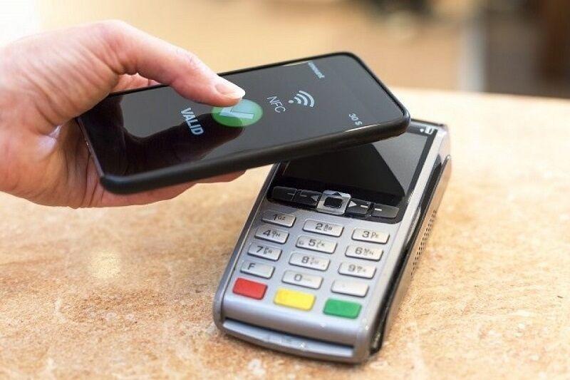 عصر جایگزینی موبایل با کارتهای بانکی