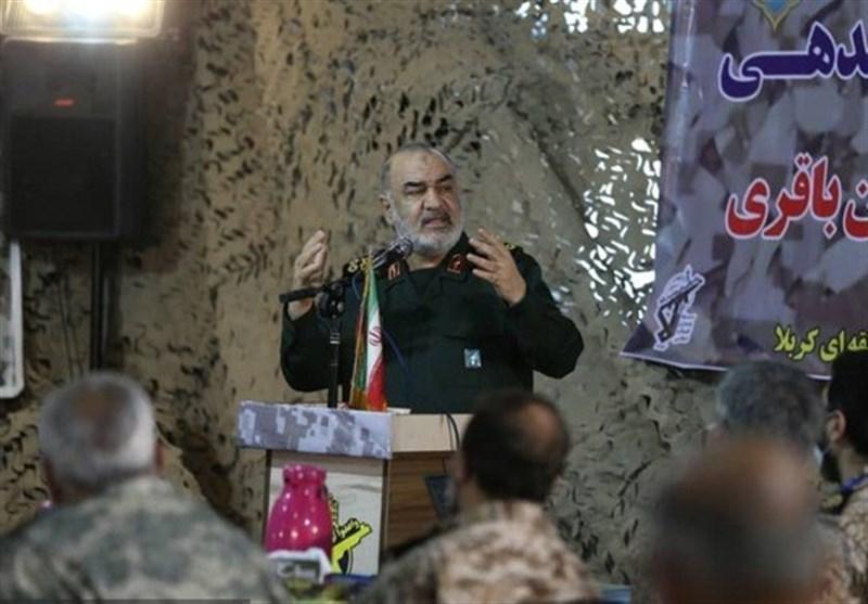 سرلشکر سلامی: دشمنان از قدرت آتش سپاه عبرت بگیرند / برای دفاع از تمامیت ارضی ایران لحظهای غفلت و درنگ نخواهیم کرد