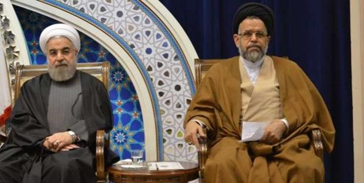 تذکر روحانی به وزیر اطلاعات/ واعظی: فتوای رهبری به قوت خود باقی است