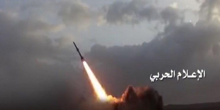 مجری یمنی: شش سال پیش سنگ به سوی سعودیها پرتاب میکردیم امروز موشک بالستیک
