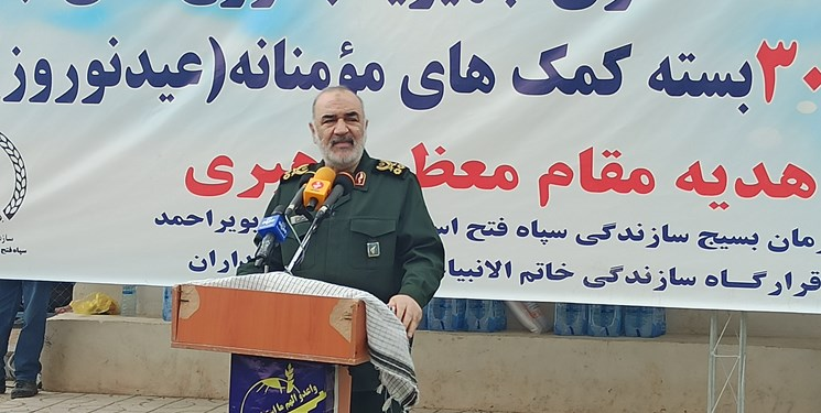 سردار سلامی: فرستاده ویژه مقام معظم رهبری در سیسخت هستم/ ۳۰۰ کانکس سپاه هدیه به مردم زلزلهزده سیسخت