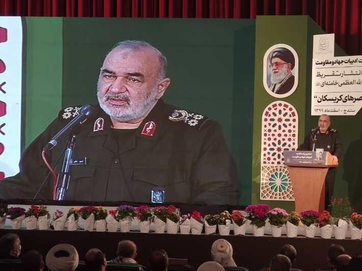 سردار سلامی: هیچ نقطه ای از مسیر مقاومت نباید سست شود