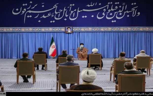 مقام معظم رهبری ؛کسانی که زیر سایهی جمهوری اسلامی و به برکت مجاهدت شهدا با امنیّت و آزادی زندگی میکنند و ۱۸۰ درجه بر خلاف خواستههای شهدا و اهداف انقلاب کار میکنند چگونه جواب این خونهای پاک را خواهند داد