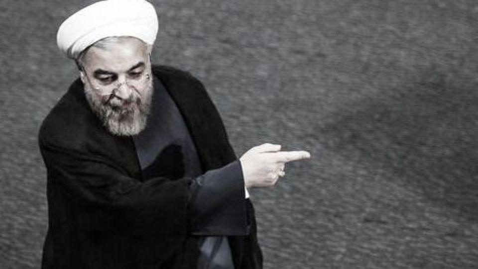 اصرار عجیب روحانی بر تکرار یک دو قطبی سازی کاذب در آستانه انتخابات