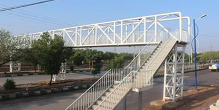 """تعمیر """"پل عابر پیاده نصب شده در مقابل کارخانه آرد فردوس ارومیه"""" طی هفته جاری"""