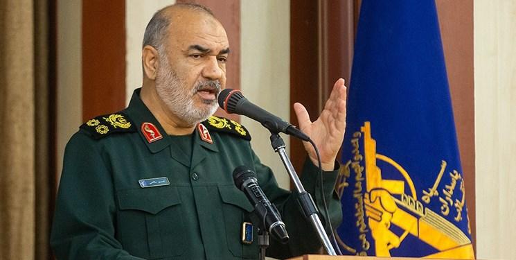 سرلشکر سلامی: سلاحهای آتشبار دشمن در اطراف کشور آرایش گرفتهاند اما امنیت بر ایران حاکم است