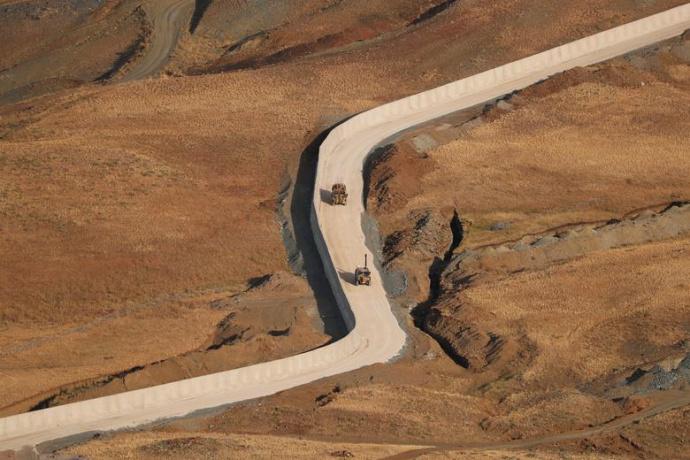 دیوار ترکیه در مرز با ایران